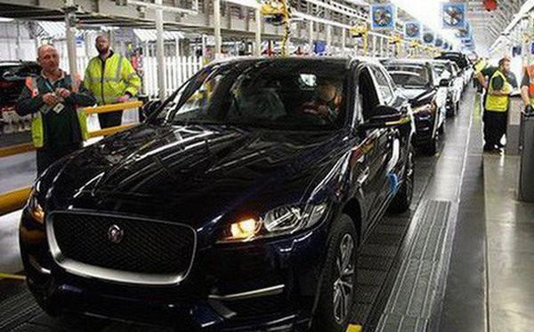 Gặp khó ở Trung Quốc, hãng xe lớn nhất của Anh sa thải 4.500 công nhân