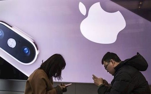 iPhone giảm giá hàng triệu đồng vì bị khách Trung Quốc chê không đáng tiền