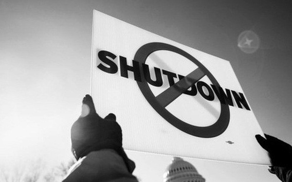 Thảm cảnh của nhân viên chính phủ Mỹ: Hết tiền mua bỉm cho con vì cả tháng làm việc không công