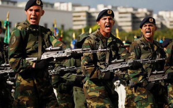 """Venezuela giữa thời kì đen tối nhất: Những """"người cầm súng"""" nắm giữ vận mệnh đất nước?"""