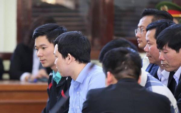 [Nóng] Vụ án chạy thận: Tòa tuyên Hoàng Công Lương 42 tháng tù giam