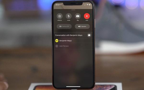 Apple trao thưởng cho cậu bé phát hiện ra lỗ hổng nghe lén bằng FaceTime
