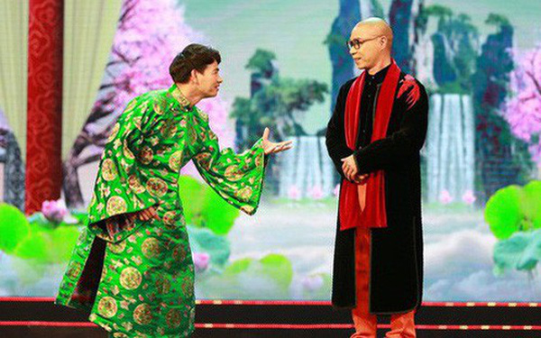 """Bị phản ánh cố tình """"châm biếm"""" Vua cà phê Đặng Lê Nguyên Vũ, nhà thiết kế trang phục Táo quân nói gì?"""