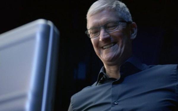 Đầu năm mải ăn bánh chưng, chúng ta không để ý Apple lại leo lên vị trí số 1 thế giới về vốn hóa rồi