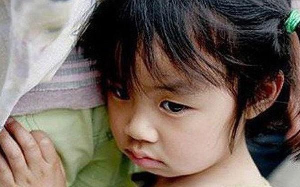 Điệp khúc quen thuộc của phần lớn cha mẹ Việt đang giết chết sự tự tin của trẻ, khiến các bé lớn lên vừa yếu vừa nhát, không làm được chuyện lớn