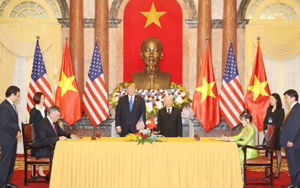 Việt Nam và Mỹ ký hợp tác kinh tế 21 tỷ USD dịp hội nghị Mỹ - Triều