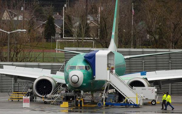 """Boeing tạm dừng giao hàng máy bay 737 Max, Airbus """"mừng thầm"""""""