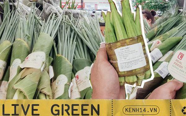 """Một siêu thị lớn ở Sài Gòn đã dùng lá chuối bọc thực phẩm, khách hàng nhìn mà """"ưng con mắt""""!"""