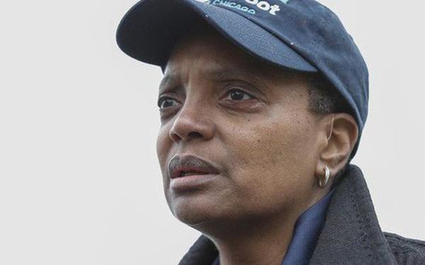 Chicago đi vào lịch sử với nữ thống đốc da màu, đồng tính đầu tiên