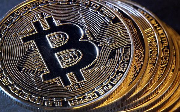 """Bitcoin bất ngờ """"thăng hoa"""", có lúc vượt qua ngưỡng 5.000 USD"""