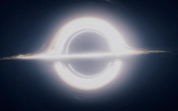 Tại sao hố đen thực tế khác với hố đen trong phim Interstellar thế?