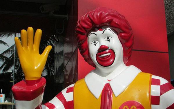 Thanh niên Úc tìm ra cách hack máy tự phục vụ của McDonald's để ăn burger miễn phí