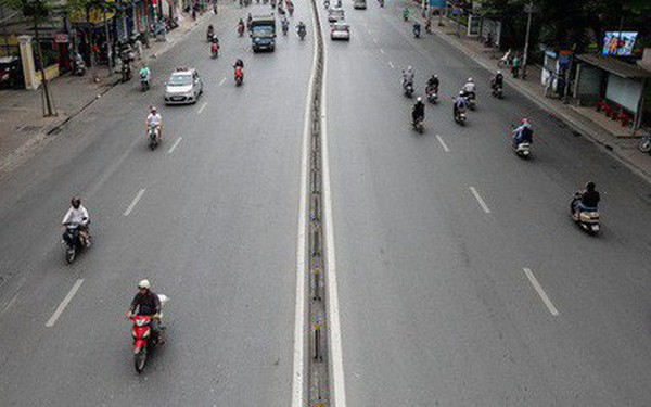 Giao thông Hà Nội giảm nhiệt ngày đầu tiên của kỳ nghỉ lễ Giỗ tổ Hùng Vương