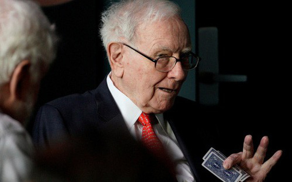 Warren Buffet nói Elon Musk nên kiềm chế, bớt đăng tweet sẽ tốt hÆ¡n