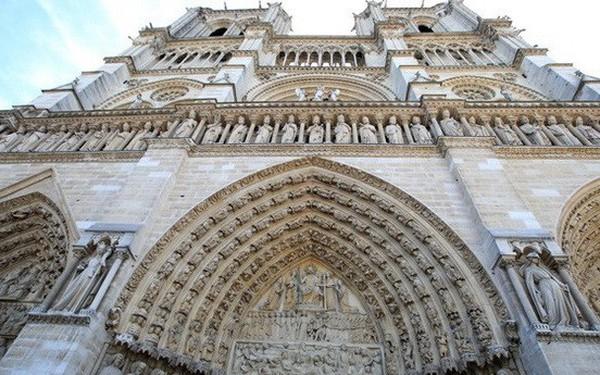 Lịch sử nhà thờ Đức Bà Paris nổi tiếng – linh hồn của nước Pháp
