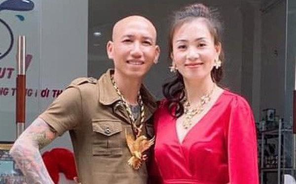 """Vợ chồng ca sĩ Phú Lê bị điều tra vì quảng cáo thuốc không giấy phép với tác dụng... """"trên trời"""""""