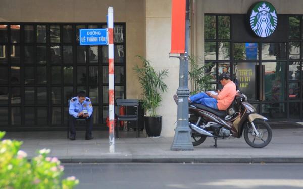 Khung cảnh yên ả ở Sài Gòn ngày đầu kỳ nghỉ lễ 30/4 và 1/5