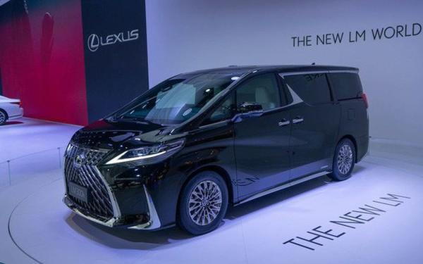 """Lexus ra mắt """"xe chở khách"""" với nội thất xa xỉ"""