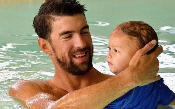 Michael Phelps dạy con bơi từ khi 3 tháng tuổi, và đây là bí quyết của anh ấy
