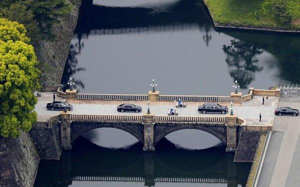 Ảnh: Thủ đô Tokyo náo nhiệt, trang nghiêm và đẹp như tranh vẽ trong ngày đầu tiên dưới thời Lệnh Hòa