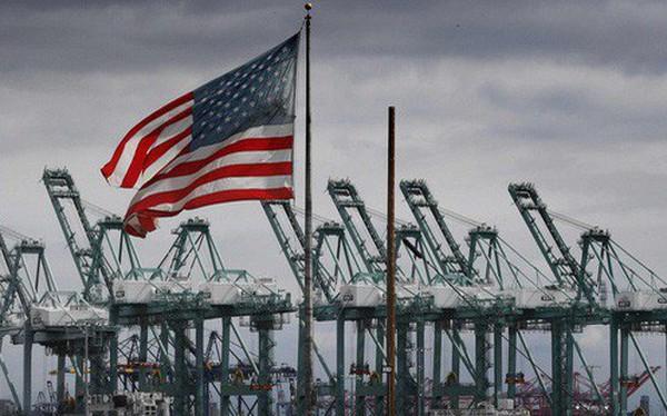 """Nghịch lý đòn thuế quan của TT Trump: Đến cả nhà sản xuất VN cũng không """"cứu"""" được người tiêu dùng Mỹ?"""