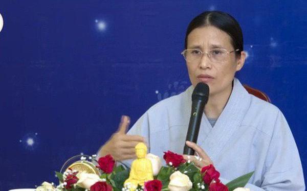 """Bà Phạm Thị Yến lại """"đăng đàn"""" thuyết giảng, chưa lên xin lỗi nhà nữ sinh giao gà"""