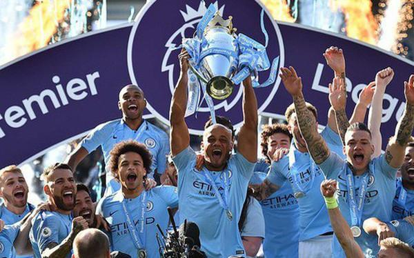 Pep Guardiola sợ đến thót tim, Man City vượt qua Liverpool đăng quang đầy kịch tính