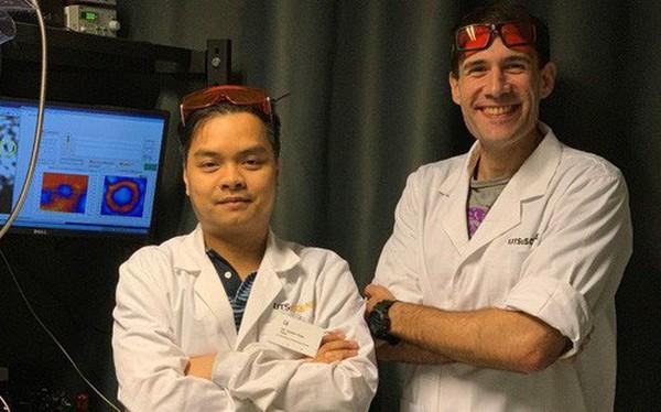 Sử dụng ánh sáng phát ra từ các hạt kim cương siêu nhỏ, Tiến sĩ người Việt đo được nhiệt độ ở kích thước nano