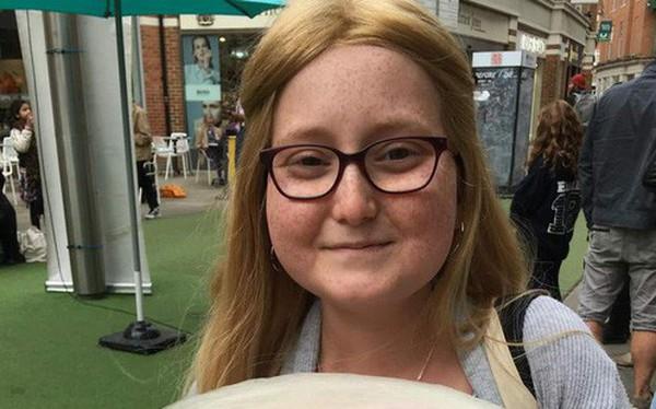 Nhiễm trùng kháng tất cả kháng sinh, một bé gái người Anh được cứu sống nhờ thể thực khuẩn biến đổi gen