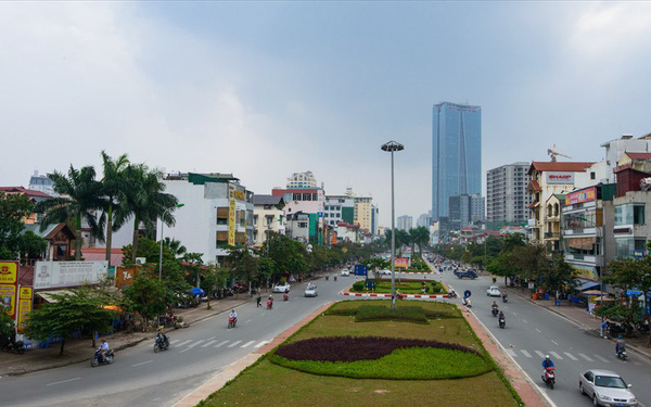 Hà Nội xén vỉa hè, dải phân cách 15 tuyến đường
