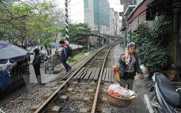 Đường sắt cần hơn 7.300 tỷ đồng để ngăn chặn 'tử thần' rình rập
