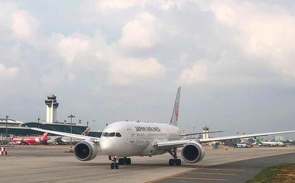 Doanh nghiệp hàng không than sân bay Tân Sơn Nhất quá tải