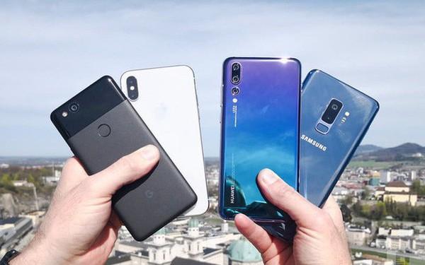 """Mỹ """"cấm cửa"""" Huawei thì Apple cũng chẳng vui vẻ gì, đây mới là hãng smartphone mừng vui nhất"""