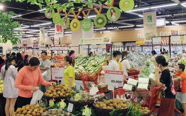 Hà Nội: Nắng nóng cao điểm khiến giá rau quả tăng mạnh