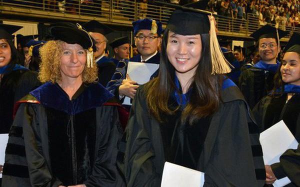 Người Việt làm luận án tiến sĩ ở nước ngoài phải nộp một bản sao lại cho Thư viện Quốc gia