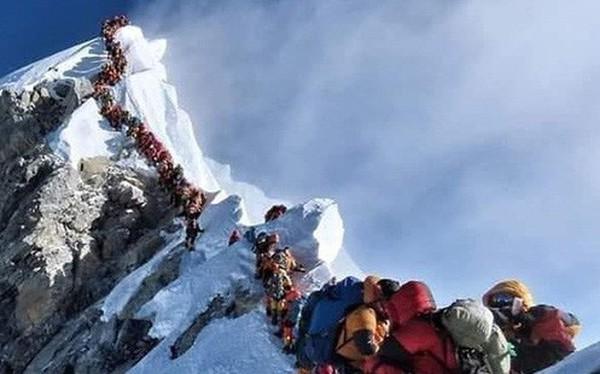 2 nữ du khách thiệt mạng trong lúc chinh phục đỉnh Everest. Biết nguyên nhân xong bạn sẽ rút ra bài học cho mình trong quá trình trekking