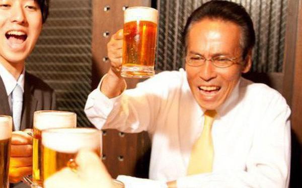 """Dân văn phòng Nhật coi đi nhậu là câu chuyện văn hóa, có một số quy tắc """"ma mới"""" phải thuộc nằm lòng"""