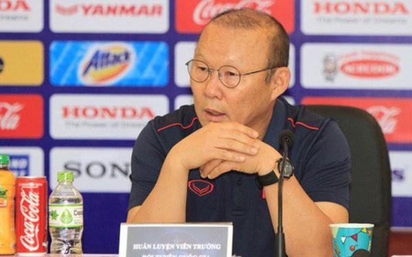 """BLV Quang Huy: Thầy Park ngỡ ngàng cũng phải thôi, có khi chúng ta đã bị Thái Lan """"gài""""!"""