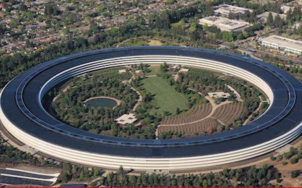 Trụ sở phi thuyền Apple không dính liền mặt đất mà nằm trên 700 mâm thép khổng lồ