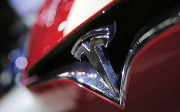 """Giá xe Tesla """"Made in China"""" rẻ hơn """"Made in US"""" tới 13%"""