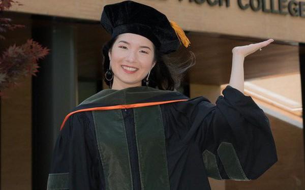 Lần đầu tiên có nữ du học sinh Việt tốt nghiệp thủ khoa ngành Dược một trường Đại học lớn tại Mỹ