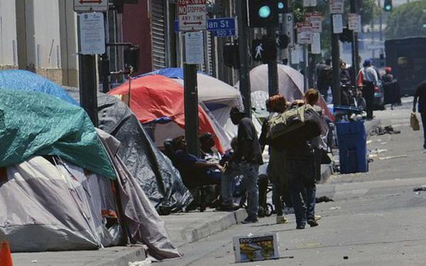 Chùm ảnh: Toàn cảnh thành phố Los Angeles hiện đại văn minh đã bị mất quyền kiểm soát vào tay... rác thải và chuột