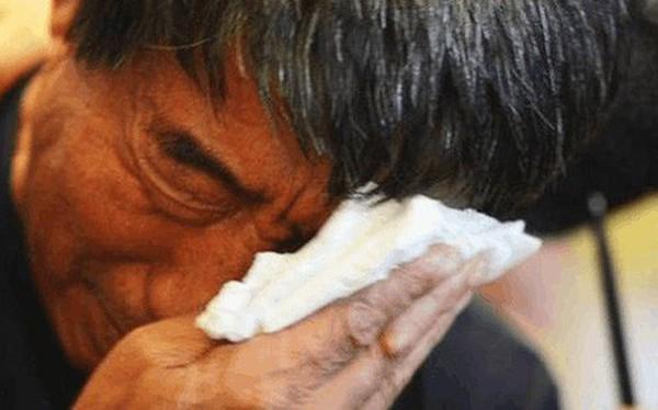 Đánh đuổi cha già, phụ bạc vợ theo bồ nhí, chưa đến 60 tuổi, người đàn ông nhận hung tin