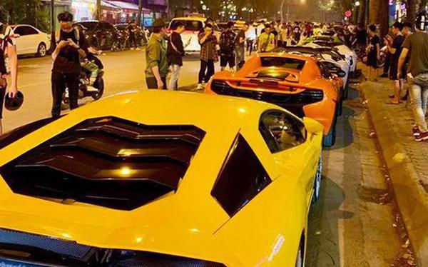 Clip: Dàn siêu xe hơn 300 tỷ rầm rộ tụ họp trên đường phố Hà Nội, Cường Đô La và vợ cũng xuất hiện với chiếc Audi R8V10