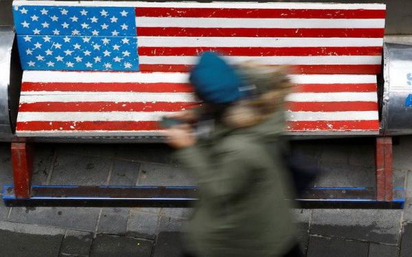 Thông tin bi quan từ Mỹ, Trung Quốc đẩy chứng khoán Mỹ mất điểm