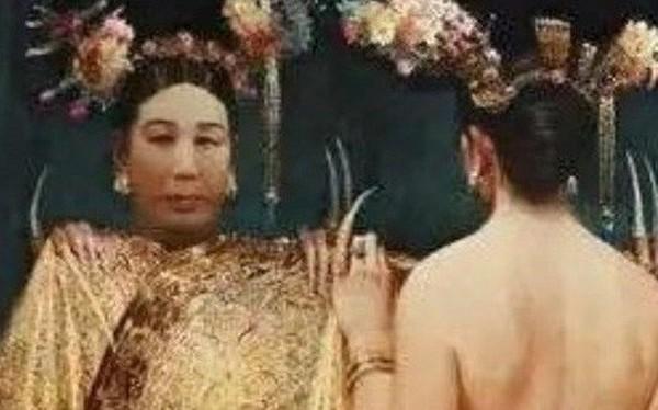 """Vì sao Từ Hy không dám """"bắt chước"""" Võ Tắc Thiên phế vua xưng đế?"""
