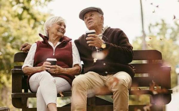 Cuối cùng khoa học cũng biết: Tại sao phụ nữ luôn sống thọ hơn nam giới?