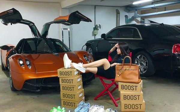 Con gái đầu doanh nhân Phạm Trần Nhật Minh 'khoe' dàn đồ hiệu bên cạnh siêu xe Pagani Huayra đắt nhất Việt Nam