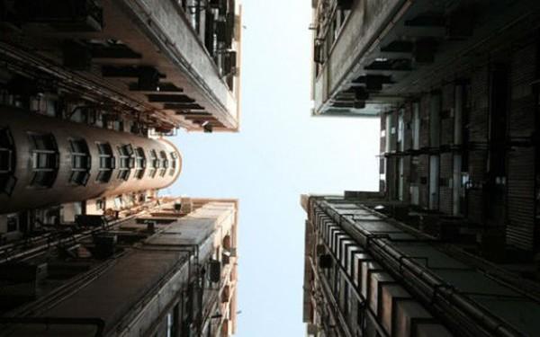 Giá nhà quá đắt, nhiều người Hồng Kông tính mua nhà bị ma ám