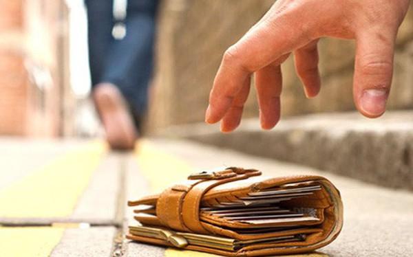 """""""Đánh rơi"""" nửa triệu USD ở 355 thành phố, các nhà khoa học đã biết cách tăng tỉ lệ được trả ví"""